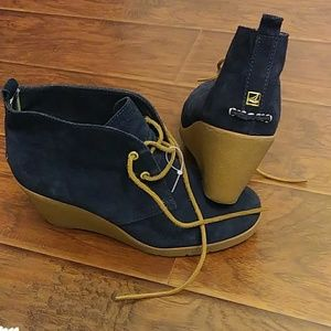 Sperry leather uppers wedge boots shoes size 10M